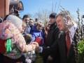 Порошенко в Мариуполе встретил Вербное воскресенье