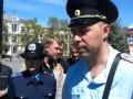 В Крыму начали разгонять мирные митинги. Законами РФ они запрещены