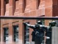 Из захваченного кафе в Сиднее выбежали две заложницы