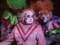 Цирк ужасов устроил зрелище в честь Хэллоуина