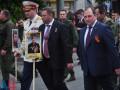 Бессмертный полк в Донецке: Захарченко нес портрет Моторолы