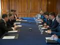 Зеленский и Волкер обсудили ситуацию на Донбассе