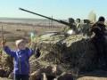 День в фото: Донецк помог армии, а Львов молился за Украину