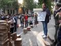 У посольства Италии в Киеве протестуют активисты