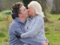 Пожилая британка, исполняя последнюю волю мужа, увеличила грудь и выходит замуж