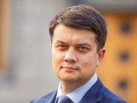 """""""День за два"""": Разумков отчитался о 50 днях Рады роликом а-ля Зеленский"""