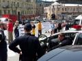 На Бесарабке активисты перекрыли дорогу с требованием прекратить стройку во дворе