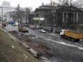 Проезд в центре Киева был частично возобновлен, но баррикады не сносят
