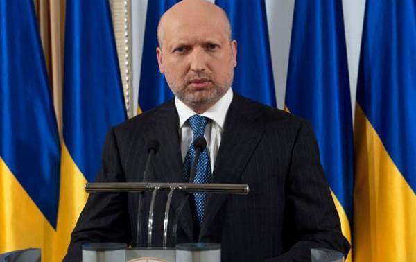 Турчинов разрешил зачислять в резерв не военнообязанных.