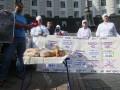 В Киеве закрывают хлебозаводы: под Кабмином уже голодают (ФОТО)