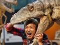 День в фото: музей динозавров и голые модели