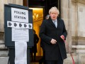 Партия Джонсона лидирует на выборах в Британии - опрос
