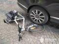 Во Львове таможенник давил полицейских джипом