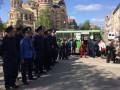 В Харькове повздорили демонстранты и проукраинские активисты