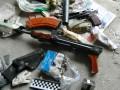 В подъезде жилого дома случайно нашли тайник с оружием