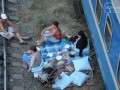 В Мариуполе переселенцы из зоны АТО поселились в поездах (фото)