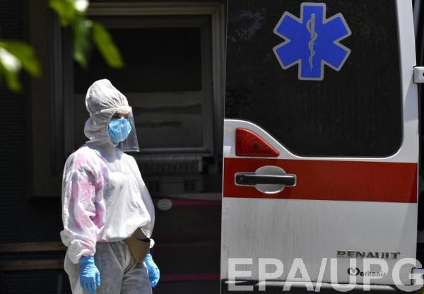 Мужчину с подозрением на коронавирус нашли мертвым на улице
