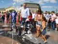 Кличко побывал на Почтовой площади и искупался с киевлянами в фонтане