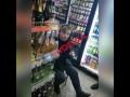 В Одессе пьяная продавщица оскорбляла клиента из-за украинского языка