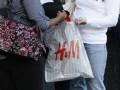 Один из крупнейших в мире продавцов одежды теряет доходы из-за погоды