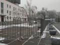 В Запорожье обнесли забором место, где должны выступить артисты из РФ