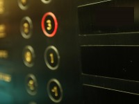 В Одессе в горящем лифте застряла женщина