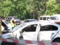 В Днепре автомобиль снес остановку: погибла женщина