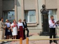 На Львовщине установили памятник Богдану Ступке