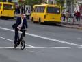 Кличко проехал по центру столицы на велосипеде за $4000