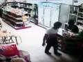 В Тайланде сын застрелился на глазах у родителей (видео 18+)