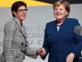 Меркель разочаровалась в своей преемнице - СМИ