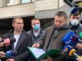 Арахамия с депутатами пришел в КСУ требовать отставки судей