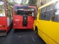 В Одессе маршрутка врезалась в троллейбус, есть раненые