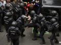 Глава Каталонии осудил стрельбу полиции по людям