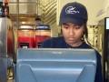 Дочь Обамы подрабатывает в рыбном ресторане