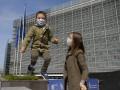 Жителям Бельгии передумали раздавать защитные маски
