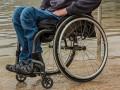 Людям с инвалидностью с детства вдвое повысят надбавки на уход