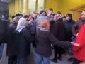 В Киеве подрались пенсионерки из-за бесплатных очков