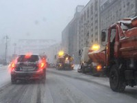 Из-за снегопада в Киеве произошло несколько ДТП, транспорт опаздывает