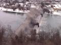 Ломать - не строить: в США зрелищно взорвали старый мост