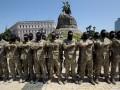 Батальон Азов в Киеве провожают на Донбасс