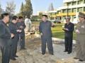 Ким Чен Ун и фотошоп. Интернет-пользователи уличили руководство КНДР в подделке официальных снимков