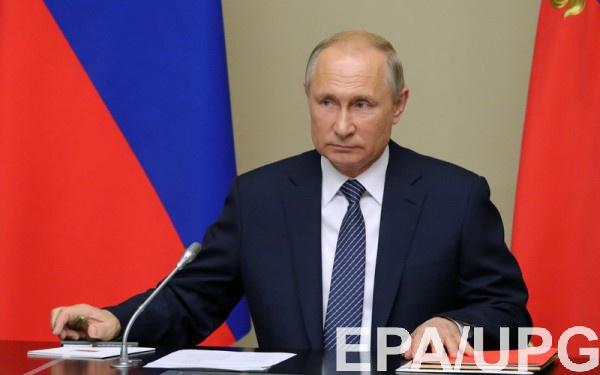 Путин прилетел во Францию ради встречи с Макроном