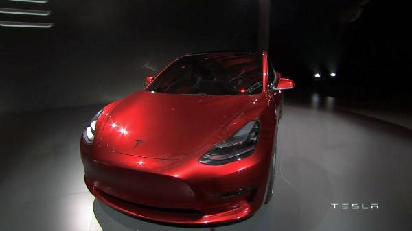 Компания Tesla получила 276 тыс. заказов наModel 3