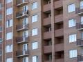 Житель Харькова погиб, упав из окна высотки на машину