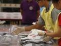 На местных выборах в Гонконге лидируют демократы - СМИ