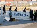 В Испанию прибыли первые беженцы с судна Aquarius