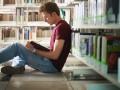 Более 80% выпускников вузов хотят работать за границей