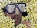 Американец отсудил $7,2 млн за ущерб здоровью, нанесенный потреблением попкорна