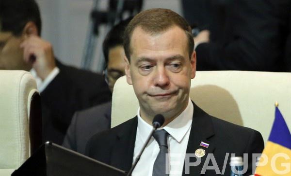 Медведев призвал не ждать отмены санкций